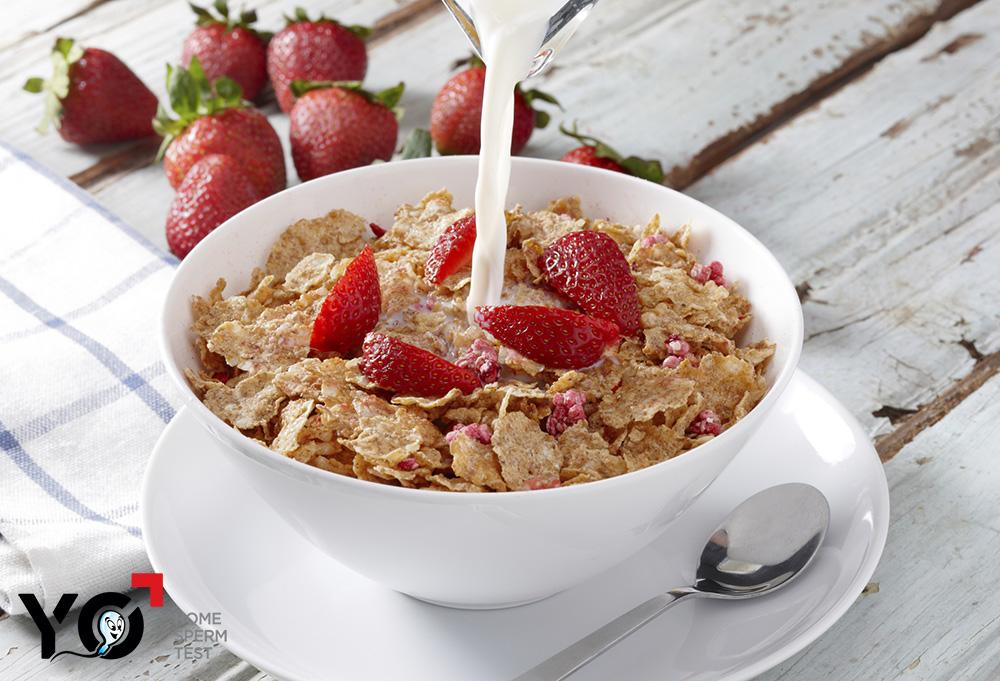 Sữa và ngũ cốc là thực phẩm có lợi cho người tinh trùng loãng